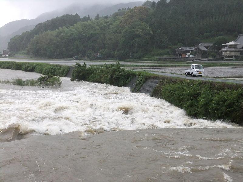 大雨洪水警報がでた九州西部